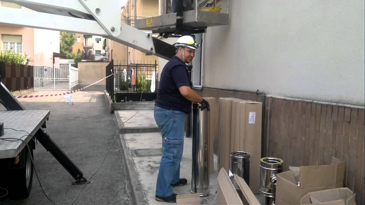 Installazione canna fumaria esterna youtube - Stufe a pellet esterne ...