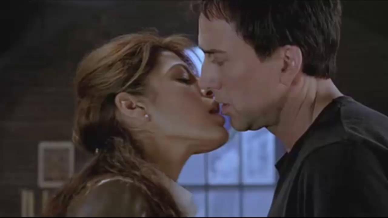 Eva Mendes Hot Kiss