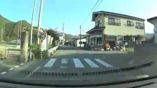 俊夫とタエ子が山形駅から高瀬地区へ運転したと思われる道路を走行しました。漫画の映像を実際の映像と比べて説明しました。実際とはもしか...