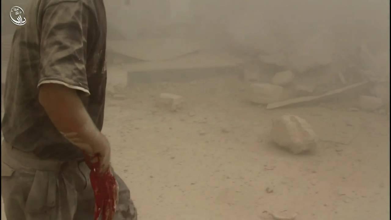 داريا - شهداء وجرحى نتيجة سقوط البراميل المتفجرة من طيران الاسد على منازل المدنيين