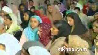 Sukhmani Sahib-Sangati Paath-Bhai Guriqbal Singh Ji.flv