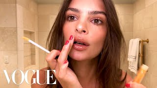 Emily Ratajkowski's 5-Minute Date-Night Look | Beauty Secrets | Vogue