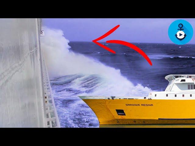 Sul traghetto con mare mosso, audio da sentire!