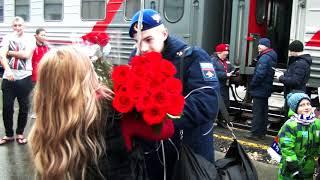 Девушка дождалась парня из армии. Пермь. ДМБ 2017.