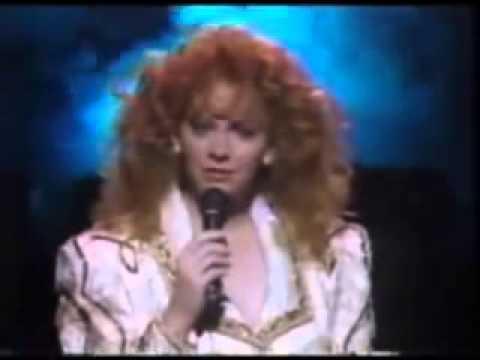 Reba McEntire - For My Broken Heart live 1991 CMT Awards