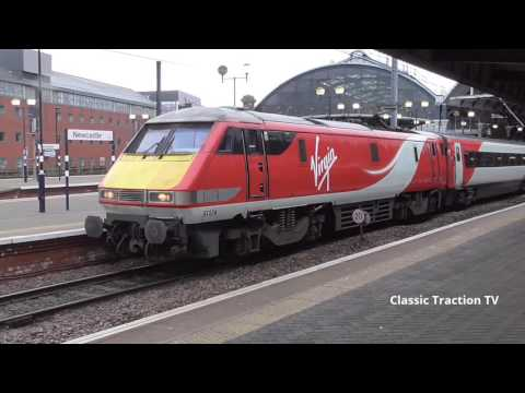 TRAINS AT NEWCASTLE CENTRAL STATION - 24th December 2016