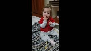 Beril Aygül çok sevdiği çitosu yiyor