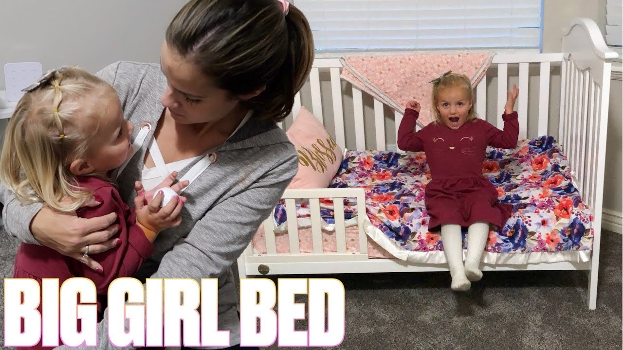transitioning-toddler-into-big-girl-bed-first-time-in-toddler-bed-mom-struggles