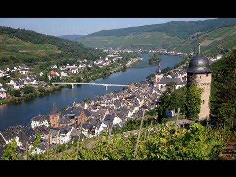 Zell Moselle Valley Germany tourism - Zell Mosel Deutschland Tourismus - German Wine village