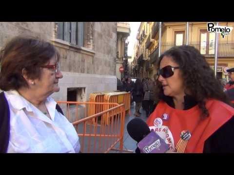 Brutal testimonio de una mujer delante de la Generalitat Valenciana. C. L. S.