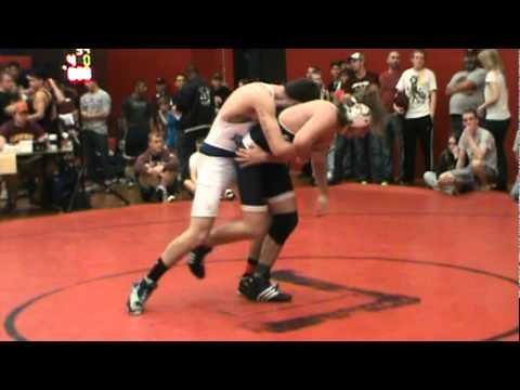 Male wrestling scissors