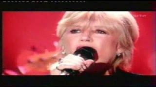 """Marianne Faithfull """"Kissing time"""" live.wmv"""