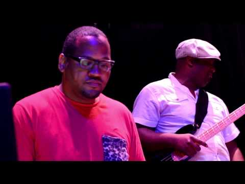 Dante Hall - A SoundCheck Snippet - Good Vibes before the Show