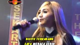 Download Video Nella Kharisma - Disaat Aku Merasa Sedih (Official Music Video) - The Rosta - Aini Record MP3 3GP MP4