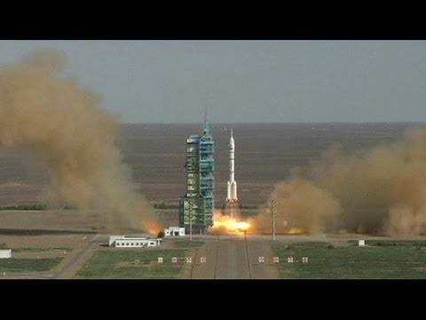 """China launches """"sacred"""" space mission"""