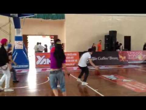 X5 chơi bóng rổ