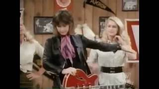 Watch Suzi Quatro Cat Size video