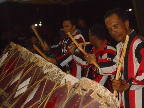 Mandailing Traditional Percussion Gordang Sembilan Gading Raja Mp3