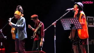 Download Mp3 Ddhear - Jangan Engkau Berhenti Bernyanyi  Live At Java Jazz Festival 2016