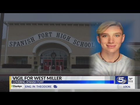 Spanish Fort High School holds vigil in memory of West Miller