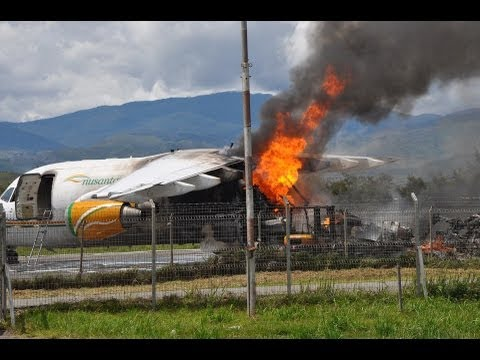 [HD]  BAE146 Caught Fire,Plane Crash,Jet Engine Fire