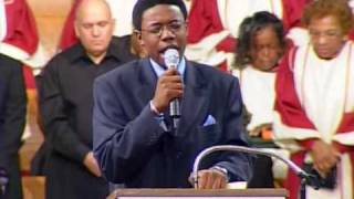 "Minister Reginald Sharpe Sings ""Pass Me Not"" www.realsharpejr.com"