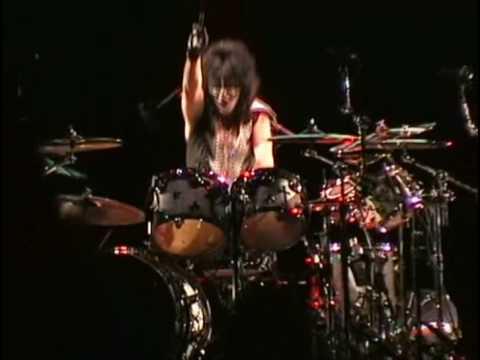KISS - 100000 Years  Peter Criss Drum Solo - Virginia Beach  - Farewell Tour