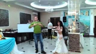Гульназ Сабитова с восточным развлечением на свадьбе.
