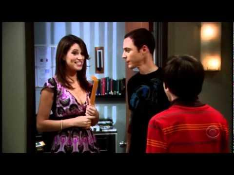 Sheldon Cooper ducing his sister