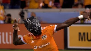 SLO-MO: Alberth Elis scores and dons Black Panther mask