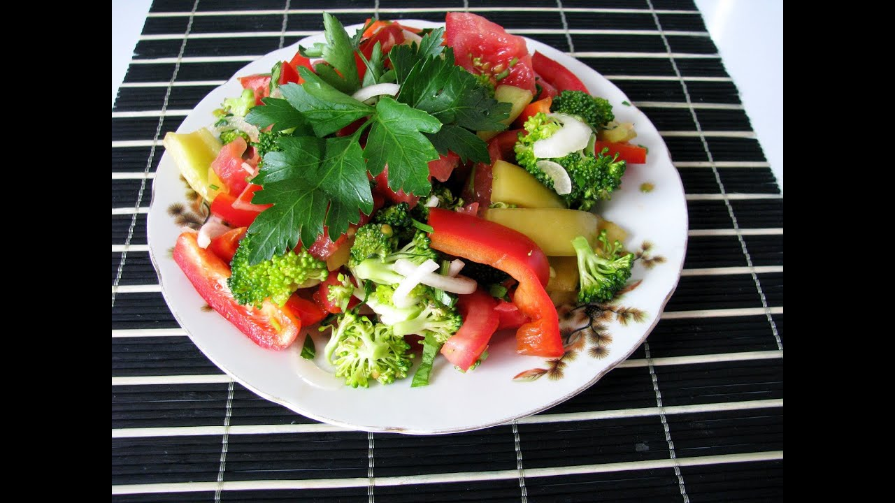 Салат с брокколи и перцем болгарским — pic 9