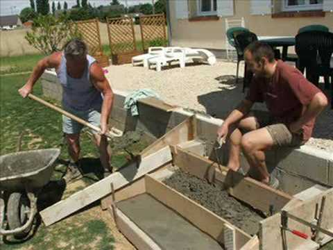 Marche de la terrasse youtube for Bordure ciment pour jardin