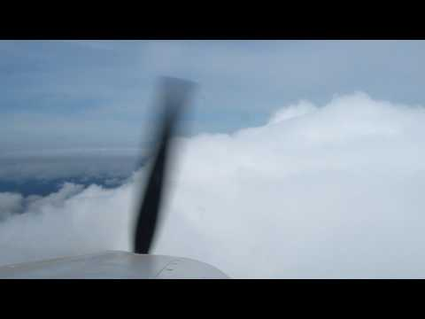 AIR DEEM- Flying into the clouds on approach to Palo Alto AP