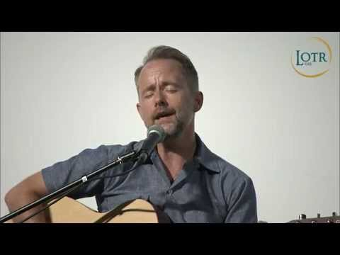 Billy Boyd sings