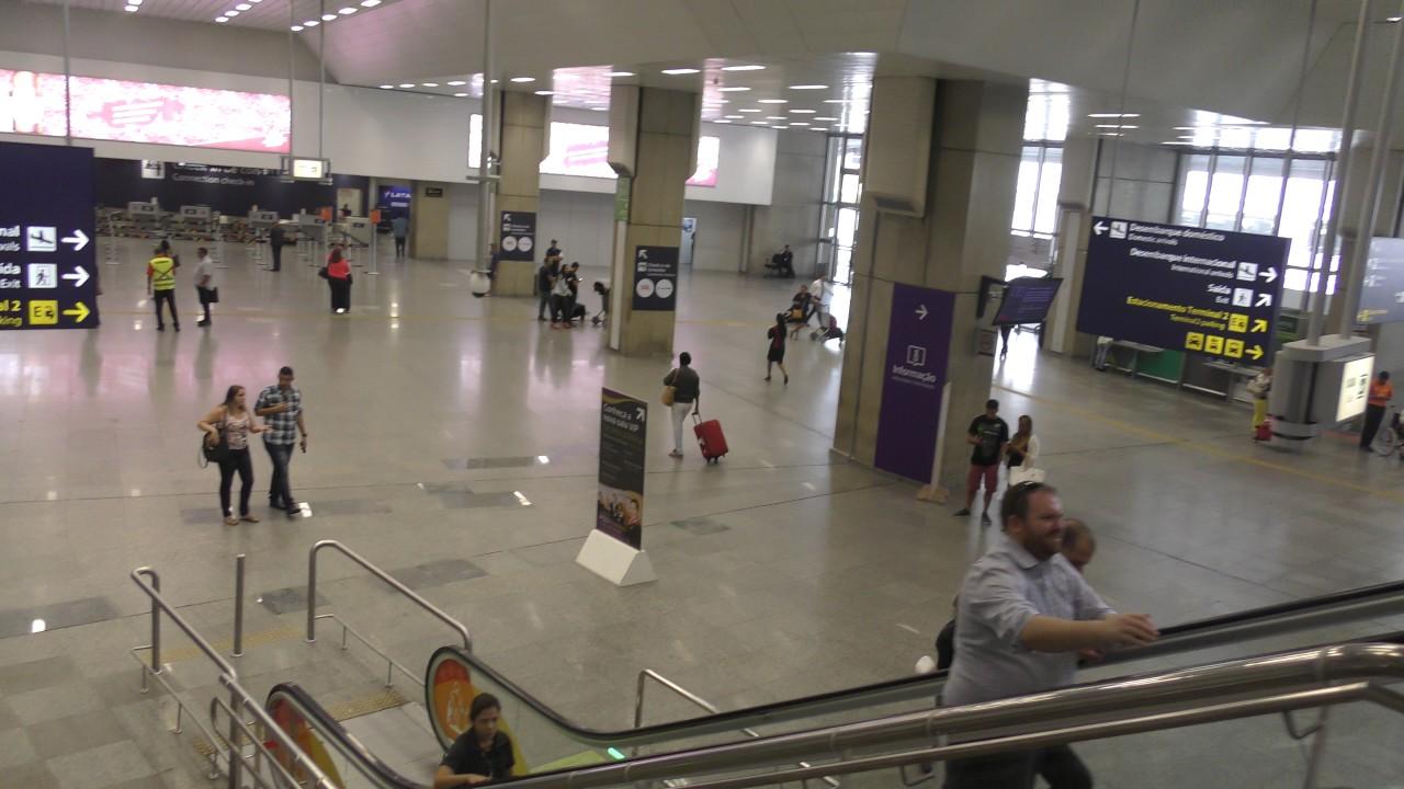Interior Del Aeropuerto Internacional Tom Jobim Rio Galeao Riode Janeiro Abril 2017