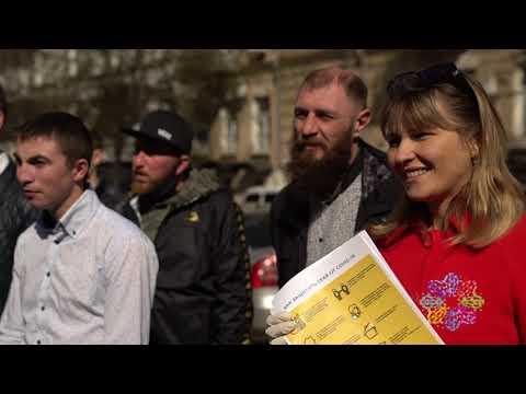 Молодежное крыло партии ОПЗЖ помогло Фонду Оксаны Марченко развести помощь одиноким людям