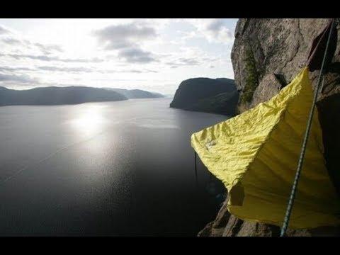 Как спят альпинисты на скалах
