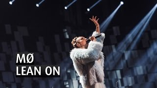 Video MØ - LEAN ON - The 2015 Nobel Peace Prize Concert download MP3, 3GP, MP4, WEBM, AVI, FLV November 2018