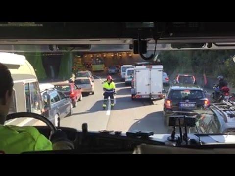 [HD] [INSIDE VIEW] Einsatzfahrt Feuerwehr Oslo, mit HLF im Stau