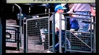 Kid dances to Thriller at Baseball Game - Michael Jackson Thriller