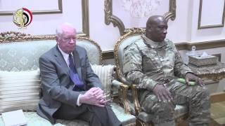 بالفيديو.. وزير الدفاع يلتقي قائد القيادة المركزية الأمريكية
