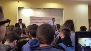 Навальный отвечает на вопрос о национализме Саратов