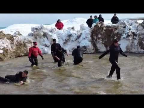 Chicago Fed Law Enforcement Officers Take the Polar Plunge for Special Olympics