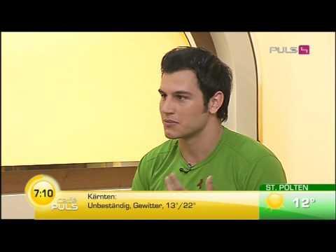 PULS4 Café Puls 28.5.2010 - Philippe spricht über sein Projekt