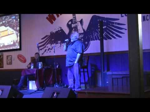 Jimmy Gilstrap,Randy White & Leo Davis sing at Wild Wings Cafe..1-17-2017