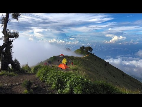 Hiking Mount Rinjani, Indonesia in 4K (Ultra HD)