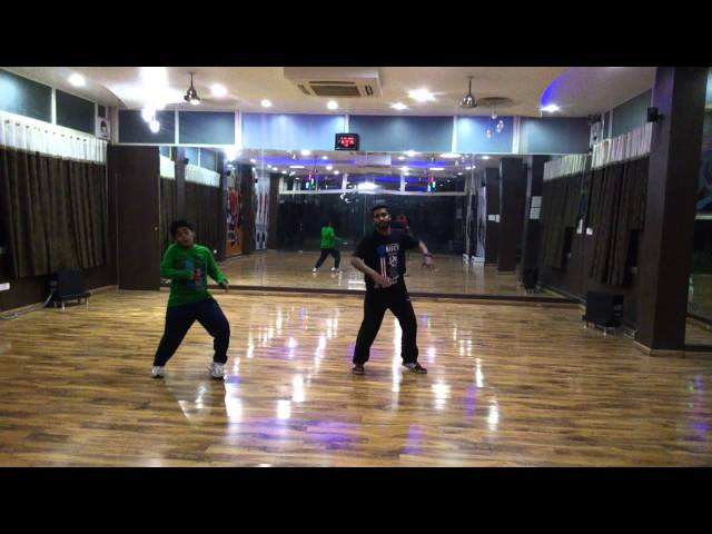 Blue Eyes Yo-Yo Honey Singh- Revolution Of Dance Travel Video