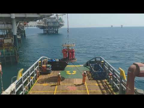 Offshore Field Services | Pick Up Passengers from Oil Platform | AHT Swissco Singapore