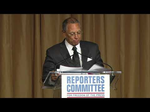 Dean Baquet accepts 2018 Freedom of the Press Award