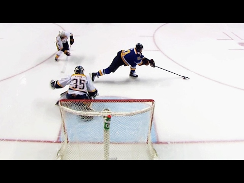 Jaskin gets behind Predators defence to open the scoring in Game 5